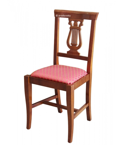 Lira chair with padded seat
