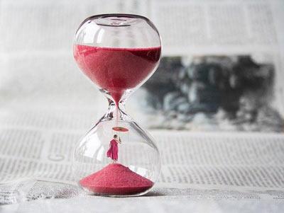 hourglass-400