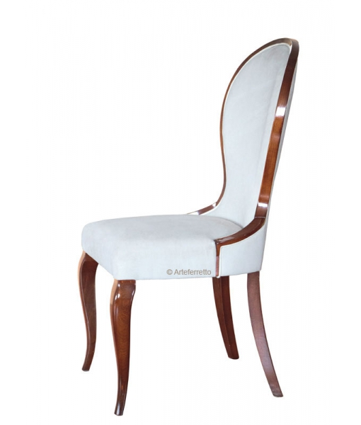Shaped dining chair in wood. Sku af-xx1