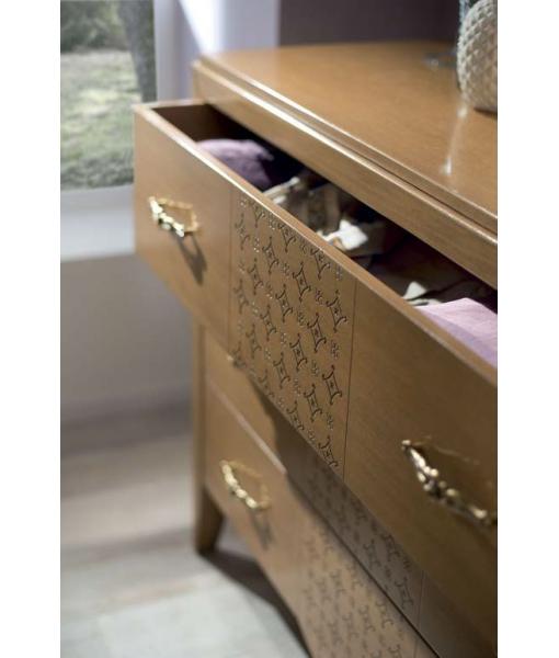 large drawers dresser, wooden dresser, bedroom dresser, chest of drawers, wide chest of drawers, wooden chest of drawers, Italian design chest of drawers